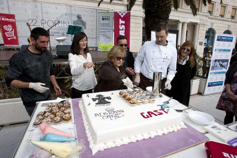 Meri Cetinić i Slavko Sobin sudjelovali su u humanitarno - kulinarskoj manifestaciji